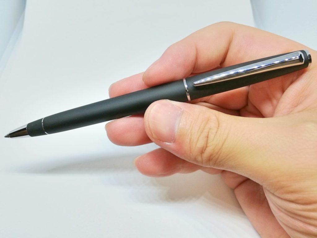 ビジネスマンにおすすめのボールペン03